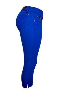 Jackie Guerrido Jeans Capri Style, Color Blue, Skinny Jeans super comfortable offering the perfect fit on the thighs and hips, lifting your buttocks and embracing your curves.